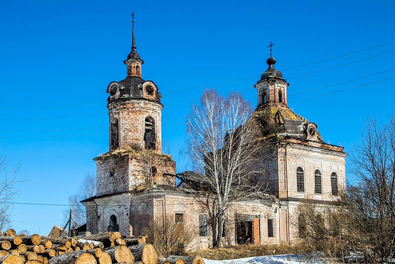 1920px-Церковь_Казанская_в_с