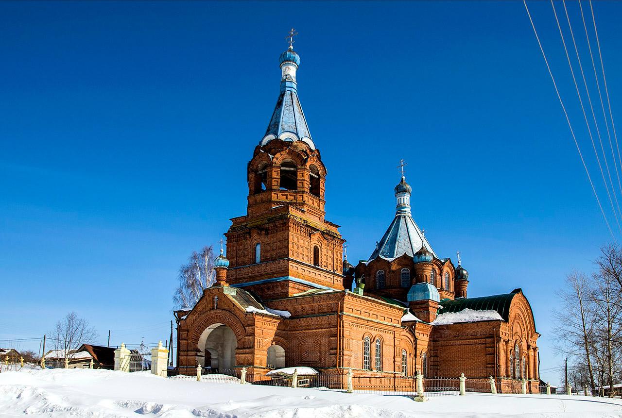 1920px-Церковь_Троицкая_в_с